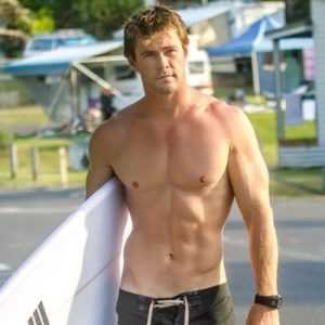 hemsworth-shirtless-11jun15